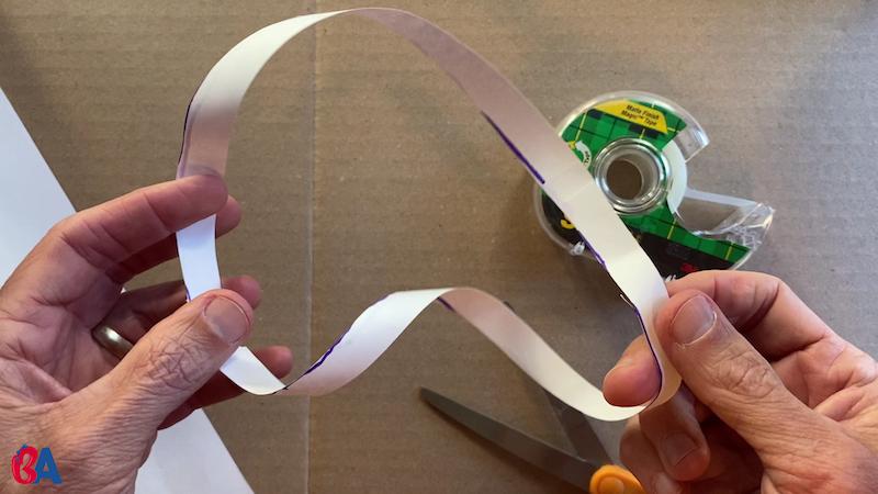 A single long loop of paper